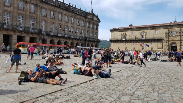 descansando plaza l'Obradoiro